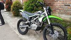 Modifikasi Klx 150 Bf Supermoto by New Kawasaki Klx 150 Bf Tahun 2017 Warna Hijau
