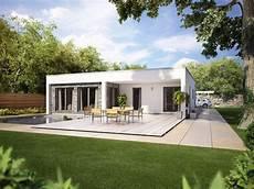Kleiner Bungalow Fertighaus - bauhaus bungalow modern mit flachdach und terrasse
