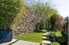steinmauer garten sichtschutz steinmauer als blickfang und sichtschutz im garten 40 ideen