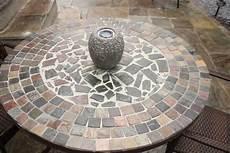 Ein Diy Gartentisch Im Mosaikdesign Als Deko F 252 R Den Garten