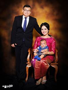 Foto Wisuda Keluarga Studio Bertiga
