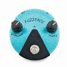 fuzz minis review dunlop fuzz mini pedals guitar world
