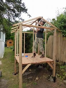 construction cabane bois la cabane de jardin de natacha le de doug