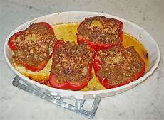 gefüllte paprika mit reis gef 252 llte paprika mit tomatensauce und reis hexe18
