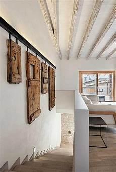 revetement bois mural 111593 rev 234 tement mural en bois et b 233 ton 55 id 233 es 224 piquer sculpture diy home decor home