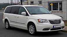 file chrysler town country 3 6 v6 touring v facelift