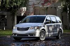 2012 chrysler town country review specs pictures