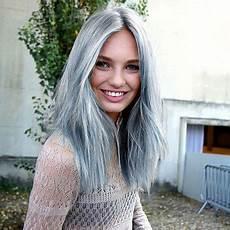 couleur cheveux gris argenté 25 jolies fa 231 ons de porter les cheveux blancs hair