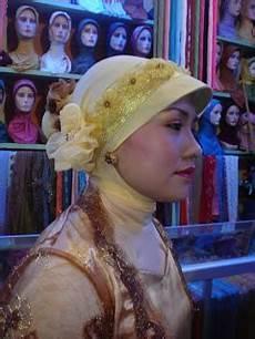Safirah Kreasi Jilbab Pesta