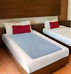 big size washable bed pad incontinence