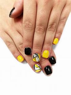 black and yellow nails abstract nails preciousphan