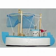 maquette bateau bois pas cher maquette chalutier 12 cm en bois achat vente d 233 coration