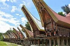 10 Rumah Adat Di Indonesia Lengkap Beserta Namanya