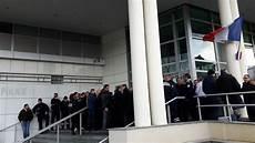 manifestation clermont ferrand les policiers de clermont sont toujours en col 232 re