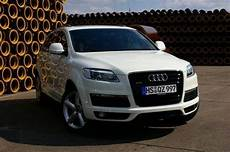 Audi Q7 S Line Audi Q7 S Line Sportwagen Weiss Mieten
