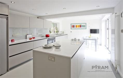 contemporary handleless kitchen in light grey