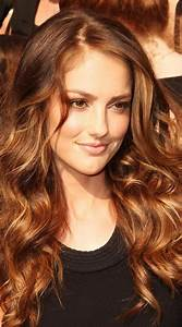 Warm Bronze Hair Colors That Will Make You More Beautiful