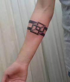 Armband Tattoo Bedeutung : armband tattoo symbole und bedeutungen tattoos tattoo m nner handgelenk und armb nder ~ Frokenaadalensverden.com Haus und Dekorationen