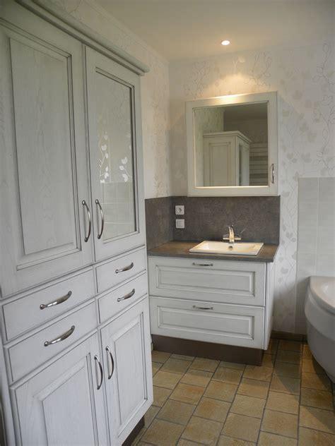 cuisiniste omer salle de bains patine grise gilles martel