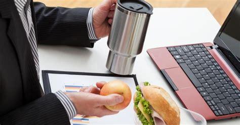 orgasme au bureau comment gérer les déjeuners au bureau fourchette