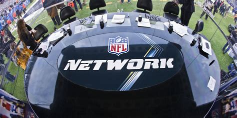 nfl game blacked   sling  viewers  massively