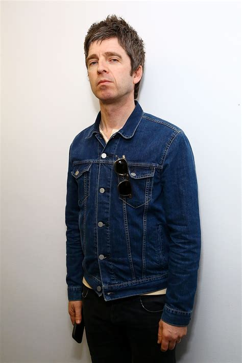 Noel gallagher news, gossip, photos of noel gallagher, biography, noel gallagher girlfriend list noel gallagher is a 53 year old british musician. Noel Gallagher Compares Apple Music to George Orwell ...