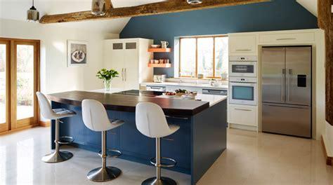 quelle couleur pour une cuisine rustique deco cuisine bleu stunning dco cuisine rtro et cagne