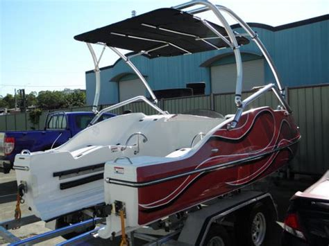 Best Fish And Ski Boat On The Market by Best 25 Ski Boats Ideas On Boats Wakeboard