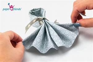Wie Falte Ich Servietten : servietten falten schritt f r schritt f cher paper ~ Eleganceandgraceweddings.com Haus und Dekorationen