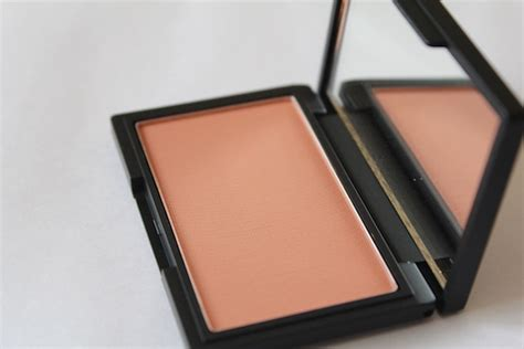 sleek makeup suede blush review swatch fotd nude collection