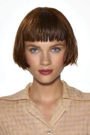 coupe de cheveux carre court avec frange