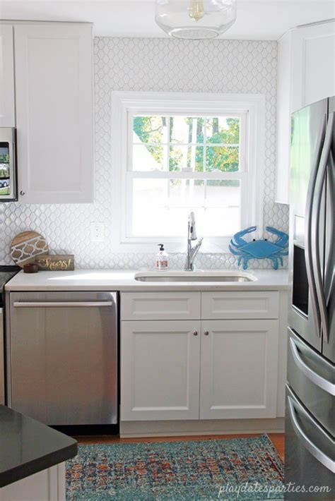 picture of kitchen backsplash best 25 small white kitchens ideas on subway 4187