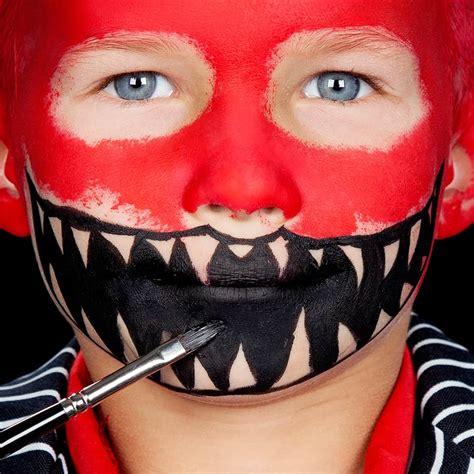 monster schminken fuer kinder halloweende