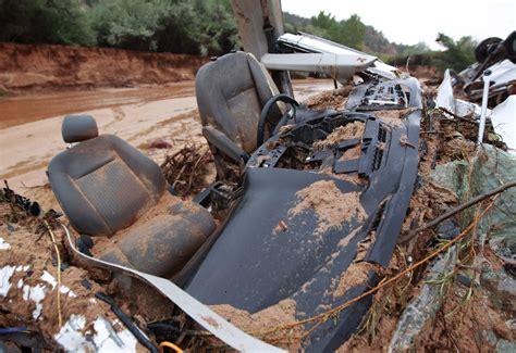 12 Dead In Flash Flood On Utaharizona Border; 3 Others