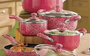 Give your Kitchen the Feminine Touch with these Cool Pink ...