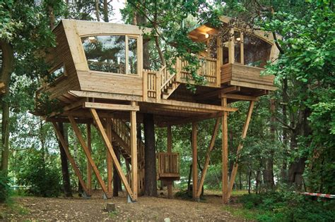 treehouse designers almke treehouse by baumraum provides gathering place for scout group