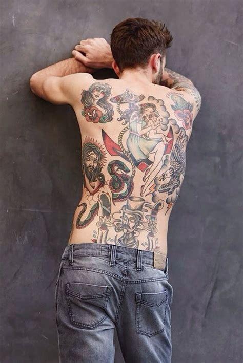 1001+ Idées  Tatouage Dos Homme  Sous Le Signe Du Verso