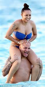 man having hot flush mel b flashes in bikini malfunction during break with