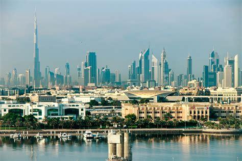 Dubai Skyline Day - Ithaka