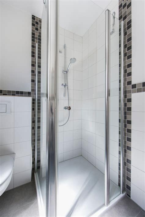 Bad Mit Dusche Fliesenweigelt