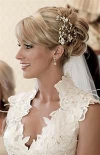 coiffure mariage mi 50 idées pour votre coiffure mariage cheveux mi longs archzine fr
