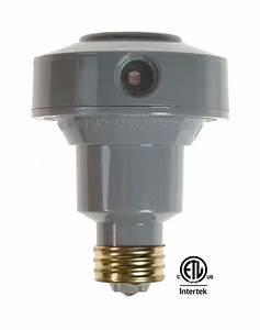 Dusk to dawn floodlight light control for halogen cfl led