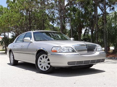 2011 Lincoln Town Car by 2011 Lincoln Town Car For Sale