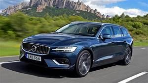 Volvo V60 2018 : 2018 volvo v60 2 0 tc fwd motor geeks ~ Medecine-chirurgie-esthetiques.com Avis de Voitures