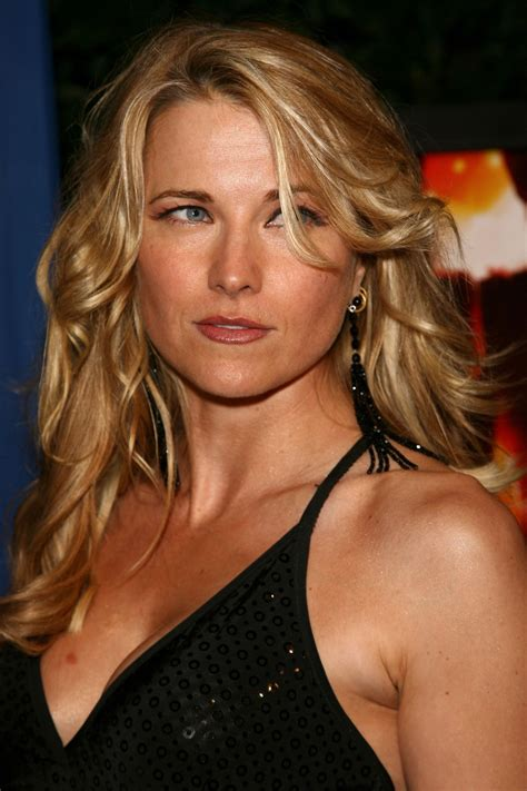 Lucy Lawless | WallPics