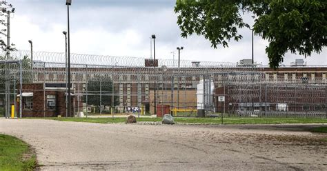 toy drone clears wall  jackson area michigan prison