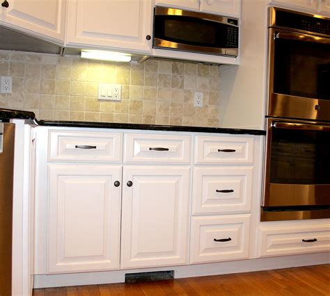 kitchen cabinet refinishing ct small kitchen cabinet refacing new fairfield ct 5712