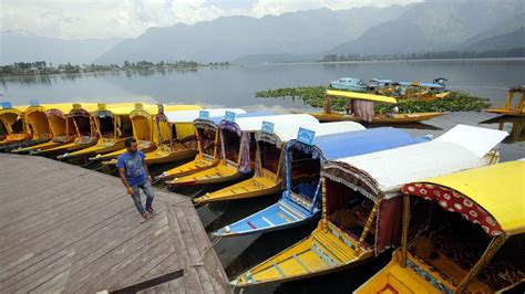 Kashmir tourism industry brought to complete halt in one ...