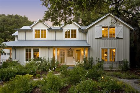 what exterior paint colors make your home look larger