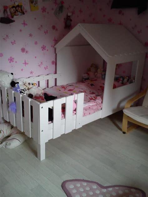 cabane chambre fille le lit cabane swam dans une chambre de fille